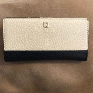 ♠️ Black and White Kate Spade Wallet ♠️